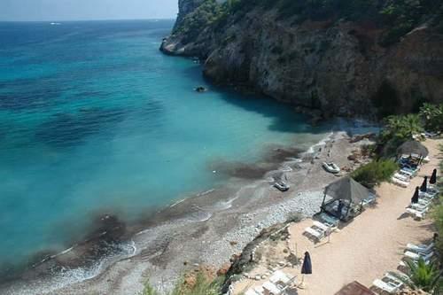 пляж Cala d'en Serra на Ибице