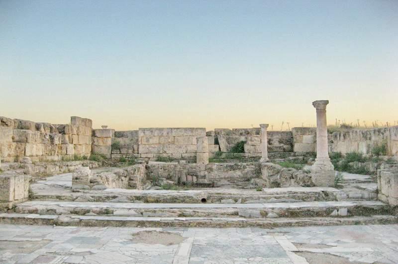 Руины древнего города Саламис