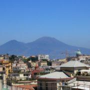 Неаполь, вид на Везувий