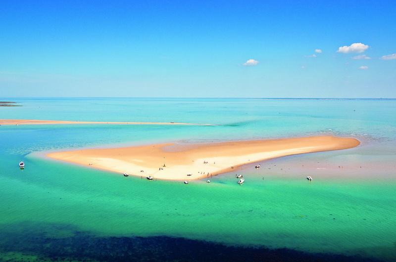 Песчаная отмель на острове Иль де Ре