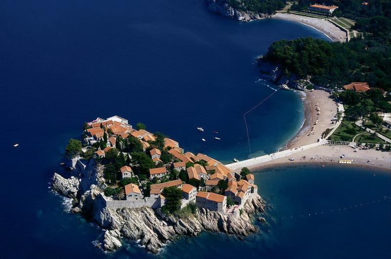Пляжи у острова Святой Стефан