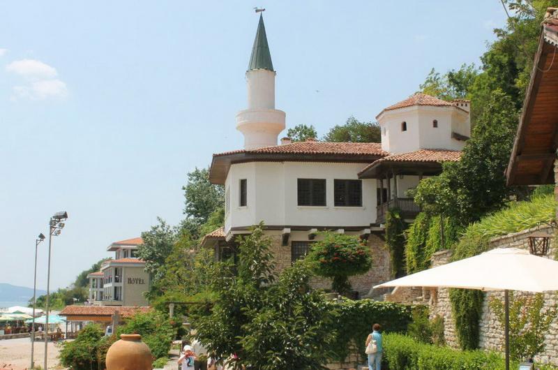 Замок королевы Марии в Балчике