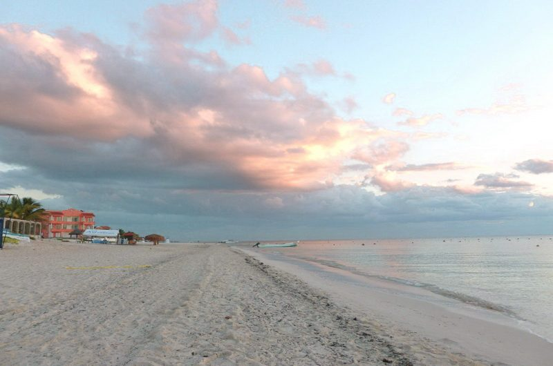Пляж Пуэрто-Морелос