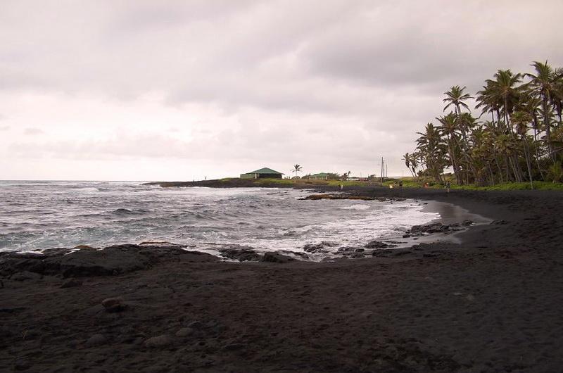 Пляж Пуналуу (Punaluu)