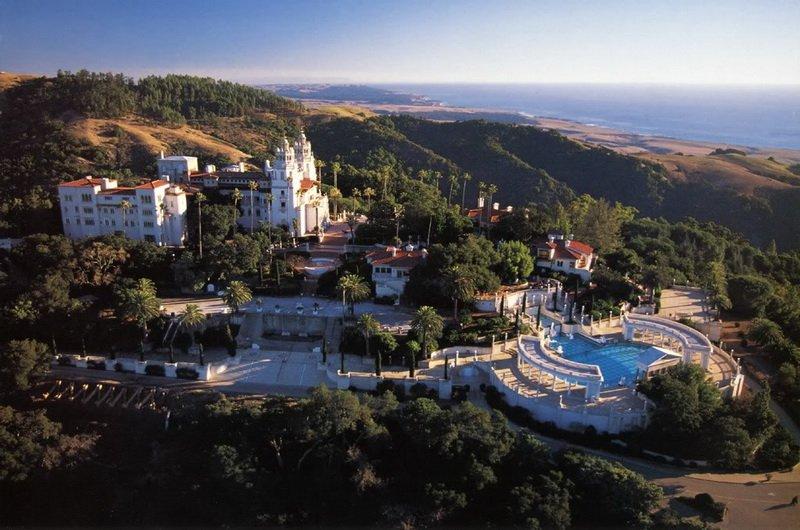 Замок Хёрста в Калифорнии