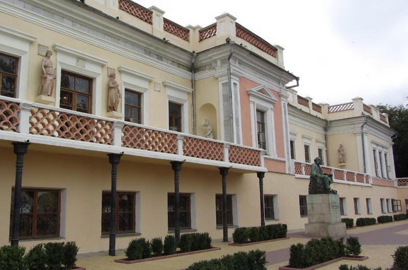 Феодосия, картинная галерея Айвазовского