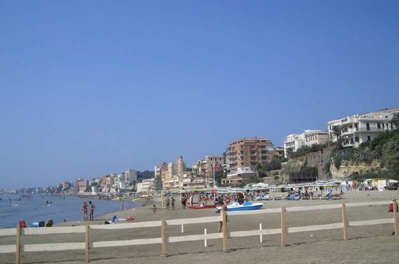 Пляжи Анцио