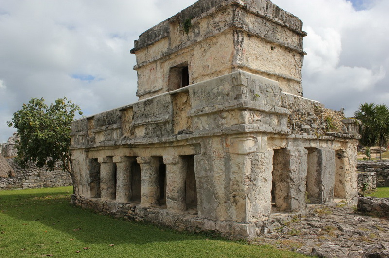 Храм Фресок