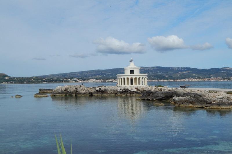 Маяк между Ласси и Аргостоли - один из символов Кефалонии