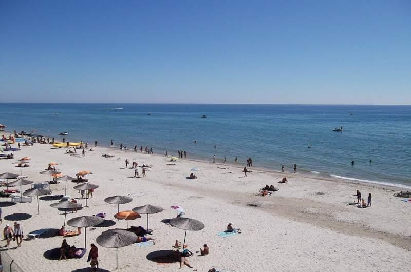 Пляж в Лазурном