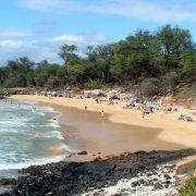 Пляж Little beach на Гавайях