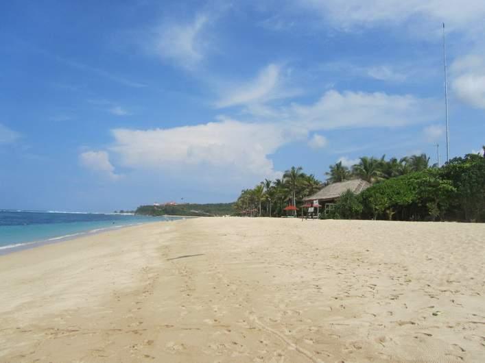 Пляж в Нуса Дуа на Бали