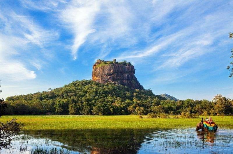Сигирия «Львиная гора» – крепость в самом центре острова Шри-Ланка
