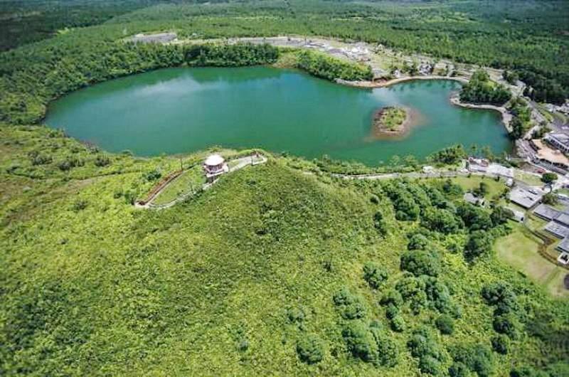 Ганга Талао кратерное озеро