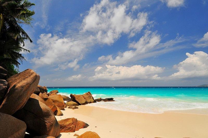 Пляж Анс-Жоржетт, Остров Праслин