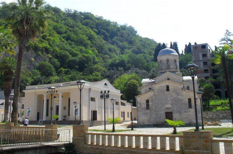 Храм апостола Симона Кананита