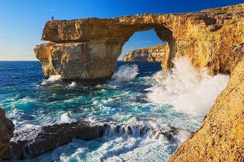 Природная арка Лазурное окно на острове Гозо