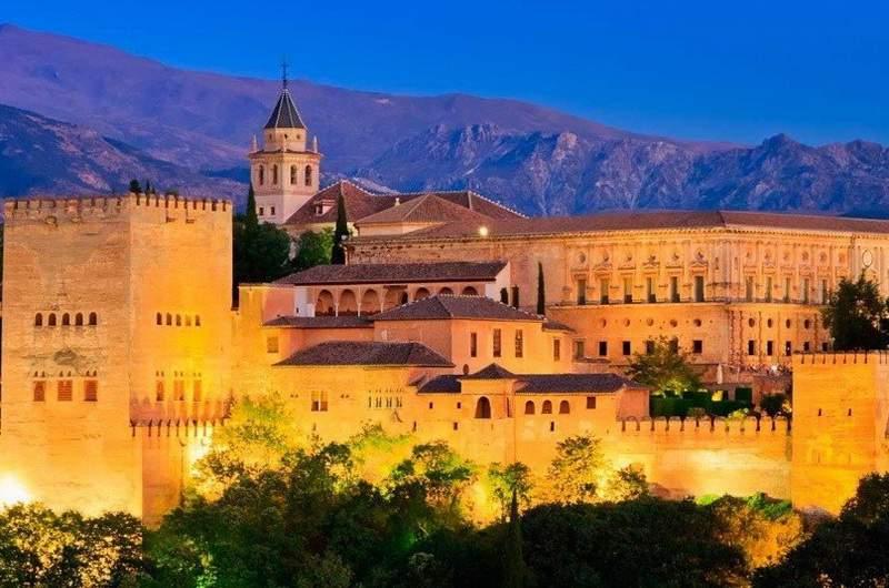 Альгамбра в Гранаде,Испания