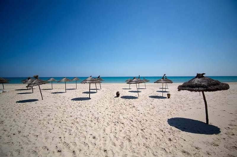 Пляжи столицы Туниса