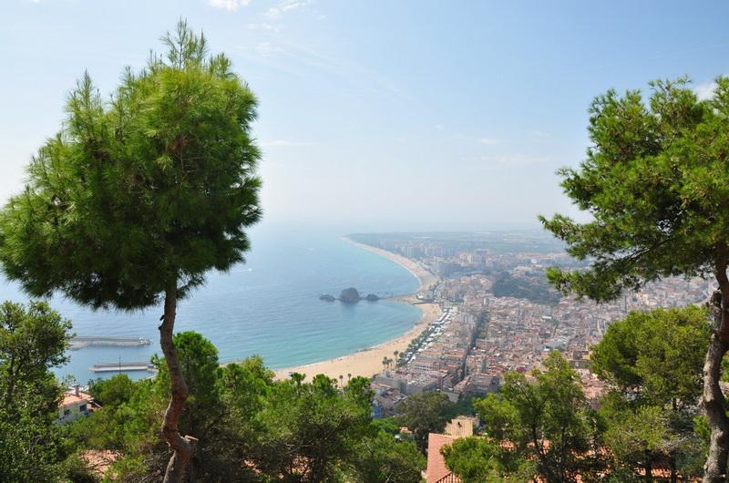 Бланес, Испания