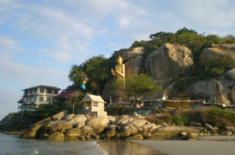 Статуя Будды в Хуа-Хине
