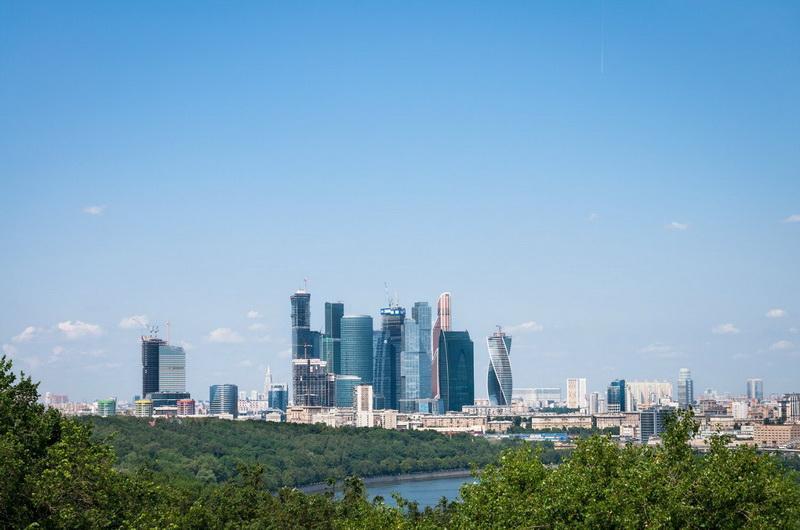Воробьёвы горы, вид на Москва-сити