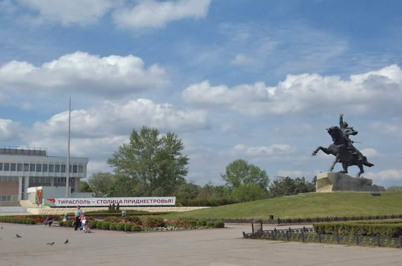 Тирасполь. Памятник Суворову