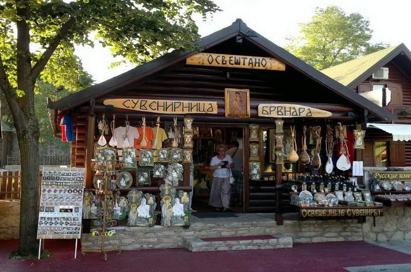 Сувенирная лавка в Черногории