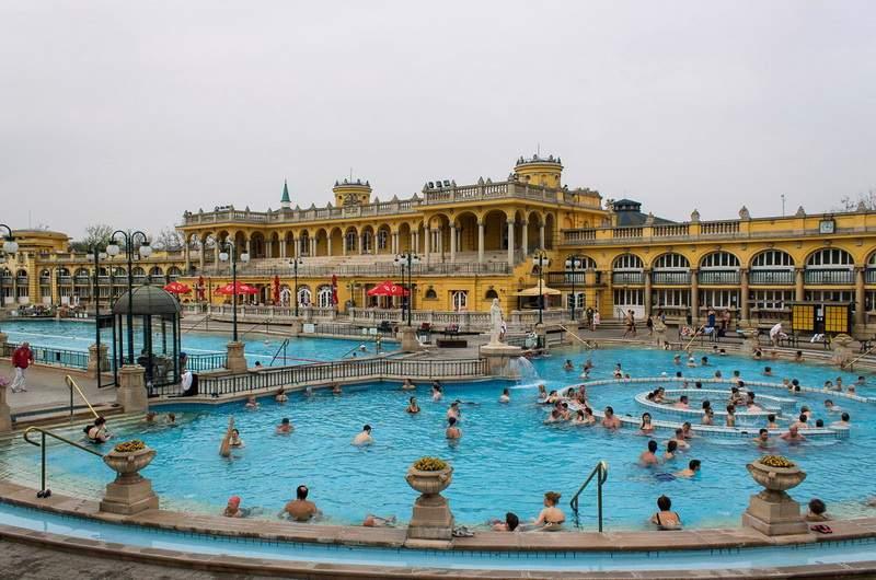 Купальни Сечени в Будапеште