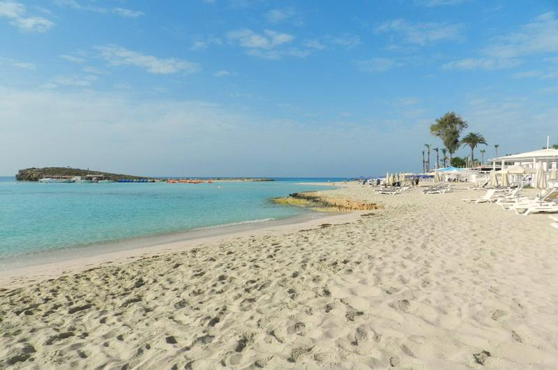Пляж Нисси бич, Айя-Напа