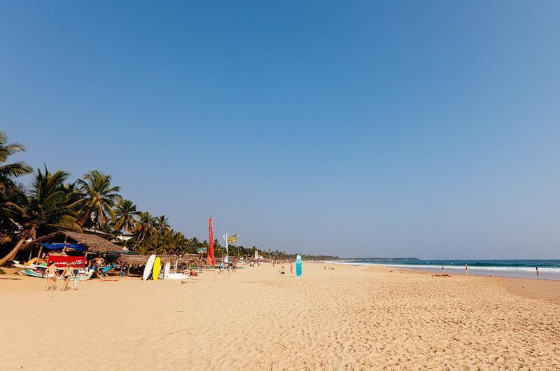 Пляж Наригама в Хиккадуве. Фото С.Емельянов