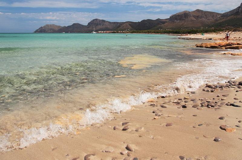 Пляж Сон Сера де Марина