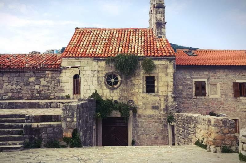Церковь Санта Мария ин Пункта